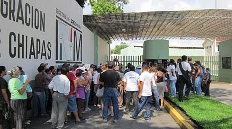 Detención indefinida de personas solicitantes de asilo en la estación migratoria de Tapachula y traslado arbitrario a otros centros de detención