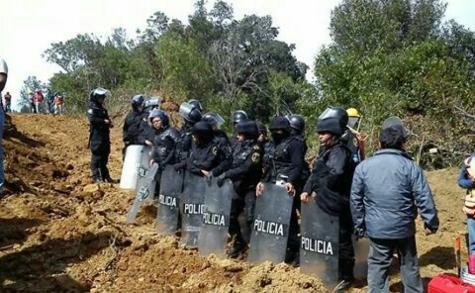 GRANADEROS INGRESAN A SAN PEDRO APATLACO, MORELOS PARA REINICIAR ACUEDUCTO PARA LA TERMOELÉCTRICA EN HUEXCA