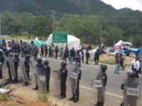 Frayba | Desalojo violento hacia el plantón de maestros y maestras en San Cristóbal